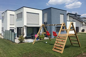 Massivbau Haus mit Photovoltaik-Anlage und Wärmepumpe